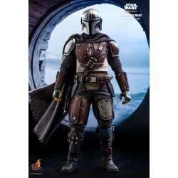 Hot Toys The Mandalorian 1/6 Scale The Mandalorian