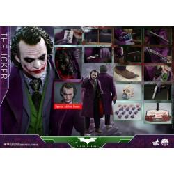 Hot Toys The Dark Knight 1/4 Scale The Joker w/bonus head sculpts