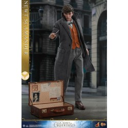 Hot Toys Fantastic Beasts: The Crimes of Grindelwald 1/6 Scale Newt Scamander Special Edition